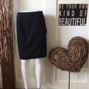 The Torie skirt in black by Apt. 9